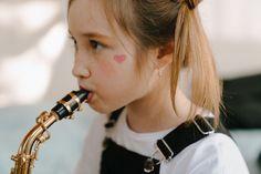 Blasinstrument und Zähne - Harmonie pur? #weinheim #kfo #drandreafreudenberg #kieferorthopädie Gold Watch, Face Anatomy, Facial Muscles, Healthy Teeth, Teeth Retainer, Interesting Facts, Musik