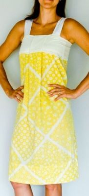 Tutorial: Vintage pillowcase dress for women | Sewing | CraftGossip.com & EASY pillowcase dress! I would wear mine over sleeves because I ... pillowsntoast.com