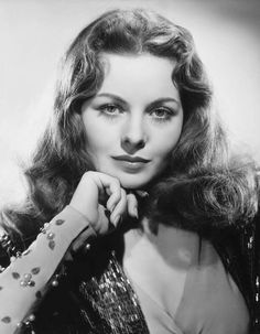 Jeanne Elizabeth Crain May 25 1925 December 14 2003 was an American actress whose career spanned from 1943 to 1975 She received an Academy Award nomina Old Hollywood Glamour, Hollywood Actor, Golden Age Of Hollywood, Vintage Hollywood, Hollywood Stars, Hollywood Actresses, Classic Hollywood, Actors & Actresses, 1940s Actresses