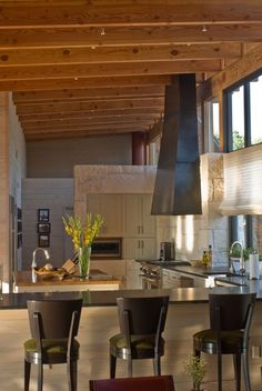 What's hot in luxury real estate: #2 Open Kitchens Sonoma Style™-image via Mell Lawrence Architects