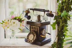 Objetos vintage: telefone retrô - Foto Marina Lomar Fotografia