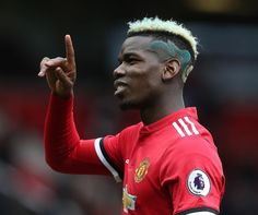 Mino Raiola set to travel to Manchester this upcoming week to propose to Man United a 100 million sale of Paul Pogba to FC Barcelona. Football Troll, Football Fans, Paul Pogba Juventus, Paul Pogba Haircut, Football Hairstyles, Men's Hairstyles, Paul Labile Pogba, Pogba Dab, Manchester United Football