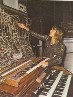 Keith Emerson gets wired