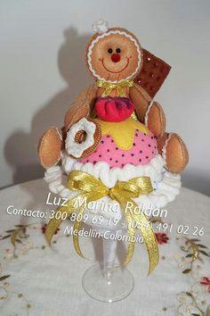 Jengibre Gingerbread Man Decorations, Gingerbread Christmas Decor, Gingerbread Crafts, Christmas Bells, Christmas Themes, Christmas Holidays, Christmas Crafts, Christmas Decorations, Xmas