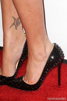 Megan Fox at the Los Angeles Premiere of 'This Is 40' at Grauman's Chinese Theatre in Los Angeles, California - December 12, 2012 | The Trend Diaries - The Latest Celebrity Style, Fashion, and Beauty Trends