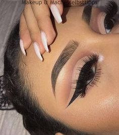 eye makeup looks best on me eye makeup goes with a pink dress makeup tips makeup flapper many types of eye makeup makeup eye makeup makeup examples Makeup Eye Looks, Smokey Eye Makeup, Cute Makeup, Pretty Makeup, Eyeshadow Makeup, Eyeshadows, Eyeshadow Pencil, Glitter Eyeshadow, Taupe Eyeshadow