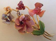 Vintage Brož Pin made in Austria smaltované výrobky kytice zlato tón Krásná