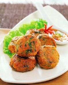 Low FODMAP Recipe and Gluten Free Recipe - Thai Style Fishcakes   http://www.ibssano.com/ibs_low_fodmap_recipes.html