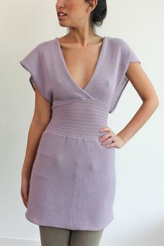 souchi, rib waist plunge top in Lavender.  Hand loomed in Italian Cotton/Cashmere yarn.