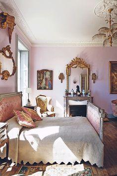 Employ elegant pink & gold color schemes.   #societygirlsguide