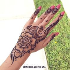 Easy and Simple Mehndi Designs That You Should Try In 2020 - henna - Henna Hand Designs, Eid Mehndi Designs, Mehndi Designs Finger, Peacock Mehndi Designs, Simple Arabic Mehndi Designs, Mehndi Designs For Girls, Mehndi Designs For Beginners, Mehndi Designs For Fingers, Mehndi Design Photos