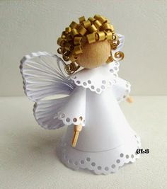 Paper Angel with Quilled Wings / Ангелы. Christmas Angel Ornaments, Homemade Christmas Decorations, Paper Ornaments, Christmas Angels, Christmas Holidays, Christmas Wreaths, Bible Crafts, Paper Crafts, Paper Art