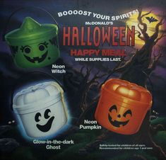 McDonalds Happy Meal Halloween buckets pails 1990 Best Picture For kids halloween goodie bags For Yo Halloween Tumblr, Retro Halloween, Halloween Horror, Halloween Kids, Happy Halloween, Halloween Stuff, Halloween Greetings, Halloween Goodies, Halloween Images