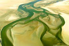 la Baie d'Authie vue du ciel, à Groffliers (Pas de Calais, Pays du Montreuillois) FRANCE . C'est un des derniers estuaires sauvages d'Europe ! © PHILIPPE FRUTIER