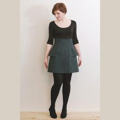 A fun and flirt high-waisted skirt with two sewing options. The Jupe Anémone can be shorter with a fun peplum, or skip the peplum and add decorative buttons! The pattern instructions are fully bilingual (French/English). This multi-sized pattern is available in European sizes 34-46.
