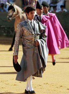 Cayetano Armani | El diseñador Armani brilló con luz propia en la corrida Goyesca