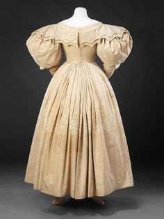 Dress — The John Bright Collection 1830 1800s Fashion, 19th Century Fashion, Victorian Fashion, Vintage Fashion, 1800s Clothing, Antique Clothing, Historical Clothing, Vintage Dresses, Vintage Outfits