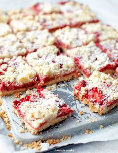 Brittle with strawberries