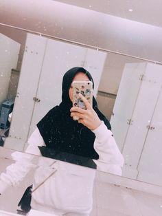 Stylish Hijab, Casual Hijab Outfit, Ootd Hijab, Hijab Chic, Hijabi Girl, Girl Hijab, Hijab Gown, Modele Hijab, Niqab Fashion