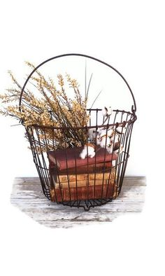 Vintage Rustic Wire Egg Basket Fall Farmhouse by grasshoppercafe, Wire Basket Decor, Wire Egg Basket, Vintage Wire Baskets, Old Baskets, Home Decor Baskets, Basket Decoration, Vintage Farmhouse, Farmhouse Style, Farmhouse Decor