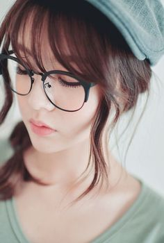 Ulzzang and glasses Cute Glasses, Girls With Glasses, Half Rim Glasses, Lunette Style, Hairstyles With Glasses, Poster S, Digital Portrait, Digital Art, Ulzzang Girl