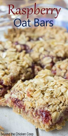 These raspberry oat bars are a delicious cross between a cookie and a granola bar This oatmeal treat is made with raspberry jam and old fashioned oats oatbars raspberrybars Easy Desserts, Delicious Desserts, Dessert Recipes, Desserts With Oats, Rice Recipes, Recipies, Cannoli, Old Fashioned Oats Recipe, Raspberry Oatmeal Bars