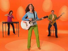 Laurie Berkner I know a chicken shakey egg song