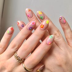 """Jess 💅✨ on Instagram: """"I've been loving florals lately 🌼 I was inspired by @naailartbar 💅✨ using all @cirquecolors polishes 🌈  . . . . . . #frecklepusnails…"""" Edgy Nails, Aycrlic Nails, Stylish Nails, Trendy Nails, Swag Nails, Cute Easy Nails, Grunge Nails, Cute Nail Art, Simple Nails"""