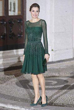 Todos los 'looks' de la Reina Letizia en su visita a Portugal, al detalle - Foto 1