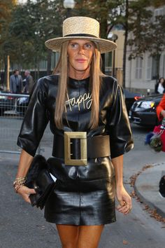 Anna dello Russo Oversized Belt - Anna dello Russo added more pizzazz to her leather dress with an oversized Celine belt when she attended the Balenciaga fashion show.