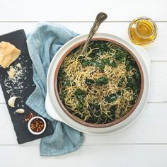 Explore Cuisine's Aglio e Olio and Kale takes only 5 minutes to prepare and 5 minutes to cook! Serve vegetarian or add in your favorite chicken to meat for a weekday meal everyone can enjoy! Olive Oil Garlic Sauce, Edamame Spaghetti, Weekday Meals, Cheat Meal, Spaghetti Recipes, My Best Recipe, Gf Recipes, Plant Based Recipes, Kale