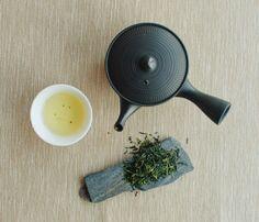 Tea is an aromatic beverage. / http://trythistea.tumblr.com/post/82563692086/marumotostaff-sundays-tea-tea-is-an