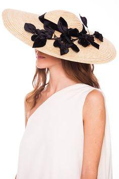 Los tocados y sombreros de Ane de Cocó >> http://www.laotramirilla.com/2016/06/los-tocados-y-sombreros-de-ane-de-coco.html