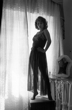Summers in Hollywood Rita Hayworth, Loren Sofia, Divas, Alice Faye, Sophia Loren Images, Pin Up, Greta, Italian Actress, Italian Beauty