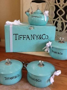 I looked this up on their website .apparently Tiffany makes china but not pots so these are fake. Color Azul Tiffany, Verde Tiffany, Tiffany & Co., Tiffany Blue Weddings, My Favorite Color, My Favorite Things, Aqua, Breakfast At Tiffanys, Food Website