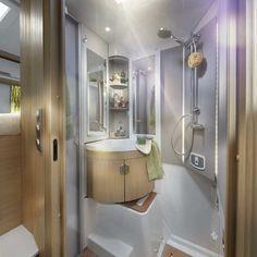Niesmann+Bischoff Smove   Dieses Wohnmobil gehört zur gehobenen Klasse. Mit mindestens 78.920 Euro ist der teilintegrierte Smove nicht gerade billig.