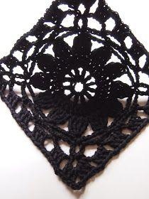 omⒶ KOPPA: MUSTⒶ kukkaneliöpaita Diy Crochet Wall Hanging, Crochet Wall Hangings, Crochet Squares, Crochet Stitches, Granny Squares, Crochet Blouse, Knit Crochet, Crochet Things, Flower Circle