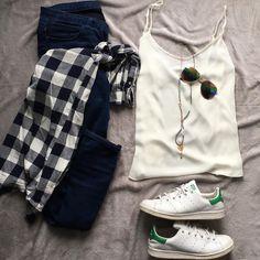 """403 """"Μου αρέσει!"""", 3 σχόλια - styliciouss Life (@styliciousslife) στο Instagram: """"Spring did it again !! . . Jeans : @hm  Top+shirt+glasses : @primark @primarkbelgium  Shoes :…"""""""