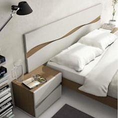 Quartos modernos por CREA Y DECORA MUEBLES Bed Furniture, Furniture Projects, Furniture Design, Bedside Drawers, Floating Nightstand, Bedroom Bed Design, Modern Bedroom, Bedroom Comforter Sets, Bedroom Layouts