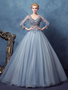 Long Sleeves V-Neck Ball Gown Lace Long Quinceanera Dress & discount Quinceanera Dresses Vintage Ball Gowns, Lace Ball Gowns, Ball Gowns Prom, Ball Gown Dresses, Vintage Dresses, Evening Dresses, Gown Dress Online, Dresses Online, Pretty Quinceanera Dresses
