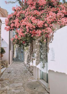 Beach Aesthetic, Travel Aesthetic, Beautiful Hotels, Beautiful Places, Greek Island Hopping, Greece Fashion, Paradise On Earth, Greece Islands, Backgrounds