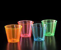 Neon Shots 1 Oz. 60 PackPAQUETE DE 60 SHOTS CON CAPACIDAD DE 1 ONZA SEPARADOS EN 15 PIEZAS EN DIFERENTES COLORES NEON (AZUL, NARANJA, VERDE Y ROSA).
