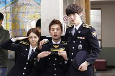 Ahn Jae Hyun You're All Surrounded Cha Seung Won, Lee Seung Gi, You're All Surrounded, Ahn Jae Hyun, Most Handsome Actors, Police Detective, Korean Fashion Men, Song Joong Ki, Korean Entertainment