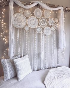 "©✨""I set out on a journey of love, seeking truth, peace and understanding. I am still learning.""✨#clearquartzHappy Monday dreamers! Photo featuring our custom made 14 set wall mural ✨ For more Handmade Dreamcatchers and Wall Murals see our bio for the website link. www.dreamcatcher-collective-australia.com #Dreamcatcher #crochetdreamcatcher #wallmural #doilydreamcatcher #crochetwallmural #dreamcatchercollage ✨#TrueNorthDreamcatcher #dreamcatchercollective"