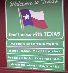 funny-Texas-welcome-sign-weapon