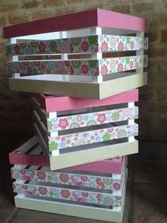 Super furniture from wooden crates Wooden Crates Crafts, Crate Crafts, Wood Crates, Wood Boxes, Decoupage Vintage, Diy Craft Projects, Diy And Crafts, Decoration Shabby, Crate Shelves