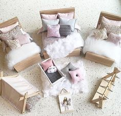 Our modern wooden beds are back and will be available this evening as well! These beauties are made of solid Tasmanian Oak and are strong… Modern Dollhouse Furniture, Diy Barbie Furniture, Miniature Furniture, Modern Wooden Bed, Wooden Beds, Mini Doll House, Barbie Doll House, Ikea Dollhouse, Doll House Plans