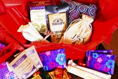 Monthly subscription box for periods! A pamper pack delivered to your door during your period! Heck yeah! From Aunt Flo