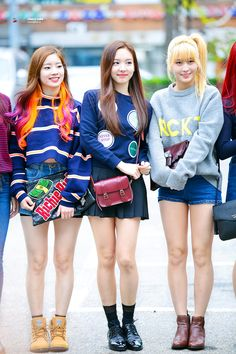 That orange/pink hair is so cute. And i want allll these clothes