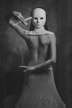 Eerie | Creepy | Surreal | Uncanny | Strange | 不気味 | Mystérieux | Strano | Confession of the puppet by Paul Apal'kin.